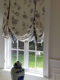 Balloon Curtains For Kitchen by Really Loving These Kitchen Window Treatments Window Treatments