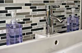 black backsplash in kitchen black and white kitchen backsplash tiles seethewhiteelephants com