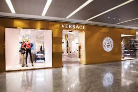versace yorkdale update store manager wanted