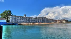 Comfort Inn Hamilton Ontario Mackinaw City Hotels Hamilton Inn Select Beachfront Of Mackinaw City