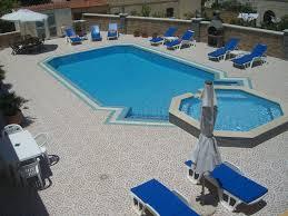 g144 swimming pool air conditioning villa apt accommodation