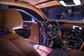 Rolls Royce Phantom Interior Features Rolls Royce Phantom Viii Specs Design Speed Bloomberg