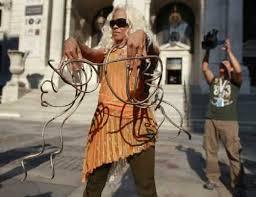 woman with world u0027s longest fingernails fwd sharon rajkumar