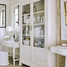 kommode badezimmer 43 praktische und coole badezimmer organisation ideen