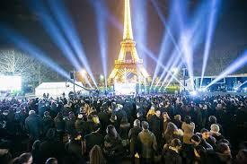 paris defies terror to celebrate hanukkah u2013 the forward
