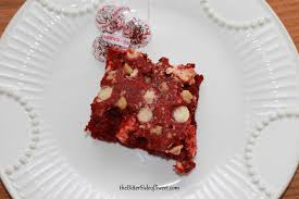 red velvet candy cane dump cake thebittersideofsweet