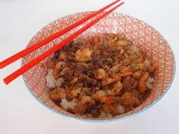 cuisine au wok facile un wok de crevettes à la chinoise facile et savoureux gourmicom