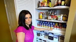 bien organiser sa cuisine comment organiser votre placard cette femme livre ses meilleures