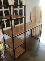 Diy Metal Desk Wooden Pallet Desk With Side Shelf Pallet Furniture Plans