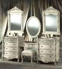 Small Bedroom Vanity Desk Uncategorized Bedroom Antique Small Bedroom Vanity Table With