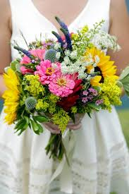 how to make wedding bouquet 3 diy bridal bouquets you can actually make yourself hgtv s