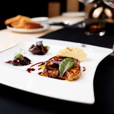 cuisiner foie gras frais recette foie gras frais aux raisins