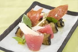 comment cuisiner le thon frais recette de cannelloni d aubergines et thon frais mariné au basilic