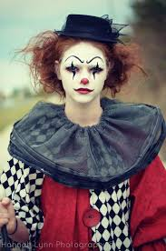 Makeup Ideas For Halloween Costumes by Best 25 Clown Costumes Ideas On Pinterest Circus Themed