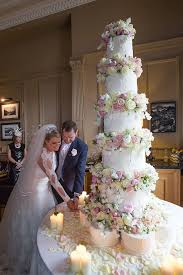 bespoke wedding cakes three tiers tea