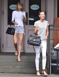 famous friends who dress alike karlie kloss taylor swift glamour