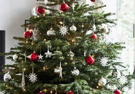 merry vs happy holidays room