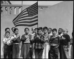 World War 2 Us Flag Rarely Seen Photos Of Japanese Internment Dorothea Lange