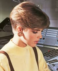 1980 bob hairstyle 1980s short nape haircut inspired by the pageboy