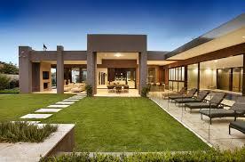 bagnato architects design sprawling single level contemporary mansion