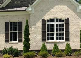 white chesapeake pearl brick with white mortar looks great with