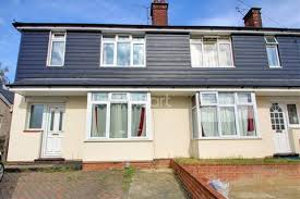 3 Bedroom Houses For Sale In Colchester Search 3 Bed Houses For Sale In Greenstead Onthemarket