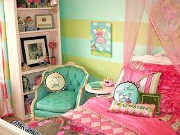 paris themed bedroom a blend of art great taste and a goodnight