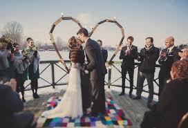 drapã e mariage mariage d hiver vintage à montréal au chalet de la plage du parc