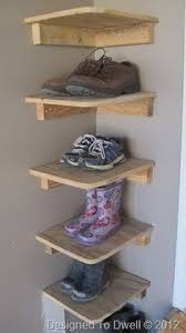 Cheap Corner Shelves by 33 Ingenious Ways To Store Your Shoes In The Corner Messages