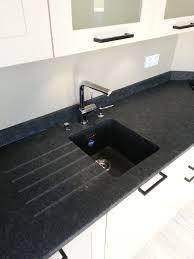 plan de travail en quartz pour cuisine marbre noir galaxy cuisine idées décoration intérieure farik us