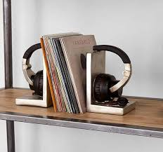 unique bookends the headphone shaped bookends gadgetsin