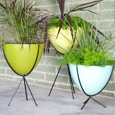 hip haven retro bullet fiberglass planter with steel stand found