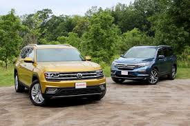 2018 volkswagen atlas interior 2018 volkswagen atlas vs 2017 honda pilot comparison test