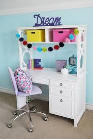girls bedroom makeover tweenifying miss 10 u0027s room housewife