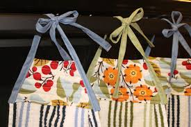 lilyquilt hanging kitchen towels tutorial