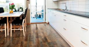 Installing Allen And Roth Laminate Flooring River Road Oak Textured Laminate Floor Medium Oak Wood Finish