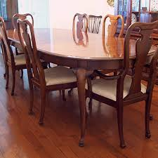 queen anne dining room furniture queen anne dining table new thomasville and six chairs ebth for 19