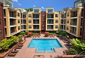photos and video of cielo apartments in charlotte nc courtyard with lavish saltwater pool and sundeck