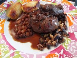 cuisiner joues de porc recette de joues de porc au cidre et aux épices la recette facile