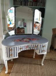 Dressing Table Shabby Chic by 50 Best Painted Shabby Chic Decoupage Dressing Tables Images On