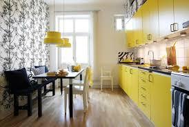 cuisine moderne jaune 8 idées déco design pour concevoir une cuisine moderne design feria