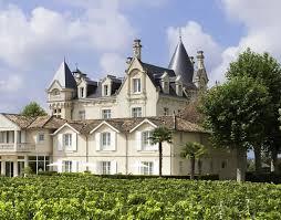 chambres d hotes st emilion château grand barrail à emilion réserver un hôtel de luxe à