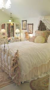 Shabby Chic Bed Skirts by 164 Best Wrought Iron Beds U003c U003e Dreamy Images On Pinterest Shabby