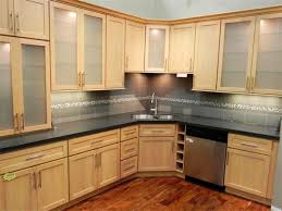 Kitchen Paint Colors With Maple Cabinets by Kitchen Backsplash Ideas For Light Maple Cabinets Kitchen Design