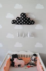 le murale chambre deco murale chambre bebe nuage bleu nuit avec petites toiles
