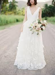 hawaii wedding ideas with old world charm bridalpulse