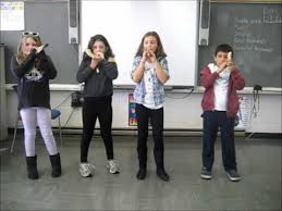 kids shofar religious school children blowing shofar