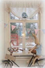 bathroom window dressing ideas great bathroom window idea a cafe curtain on a rod wider than