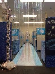 winter wonderland castle cubicle christmas pinterest cubicle