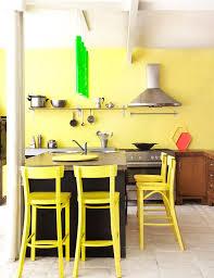 cuisine jaune et blanche cuisine jaune inspirations pour une cuisine lumineuse